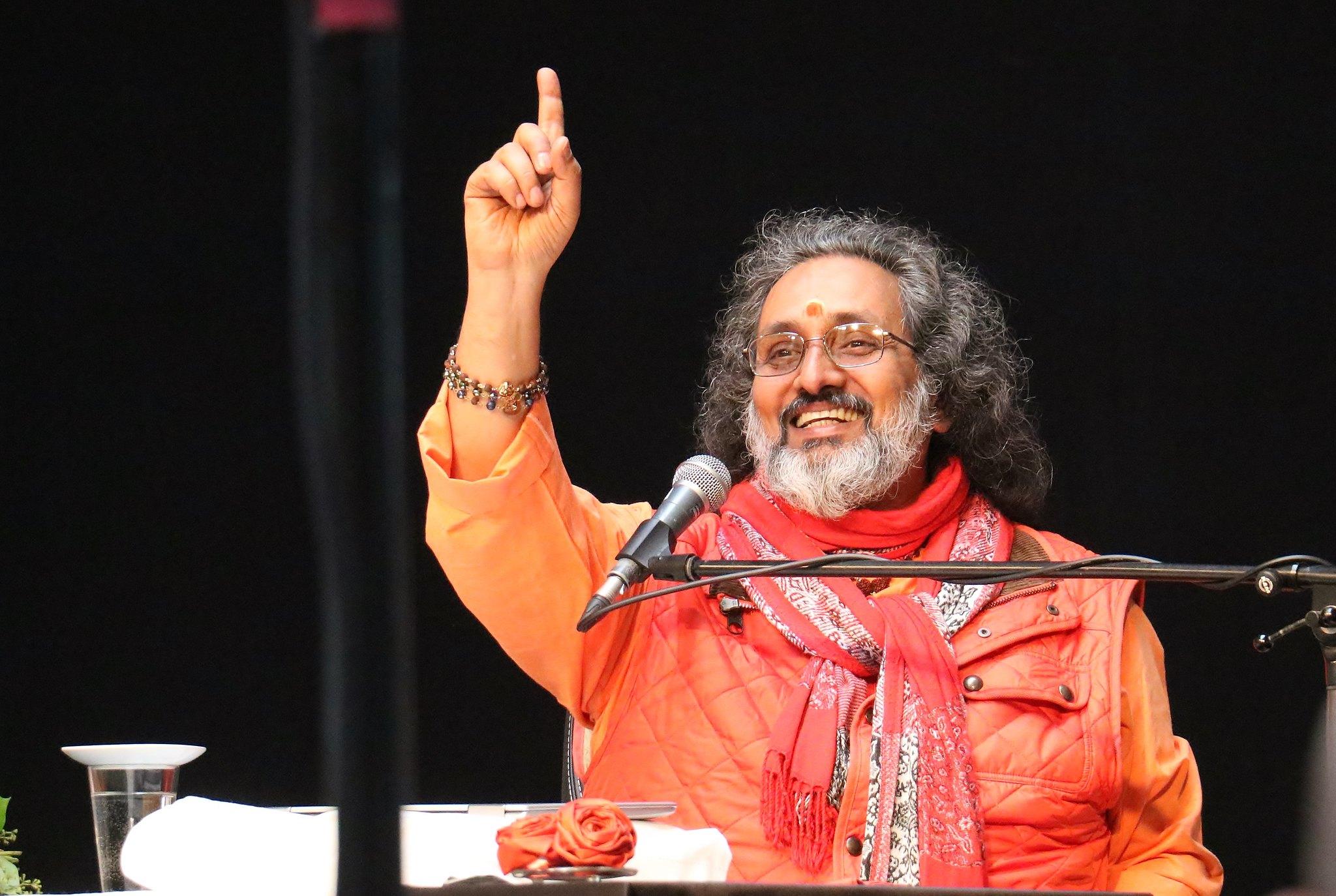 Charla de Swami Amritaswarupananda Puri en la cumbre de 2018