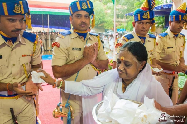 Amma to give families of soldiers killed in Kashmir support money